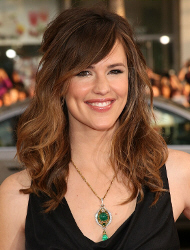 "Jennifer Garner at the premier of ""Ghosts of Girlfriends Past"""