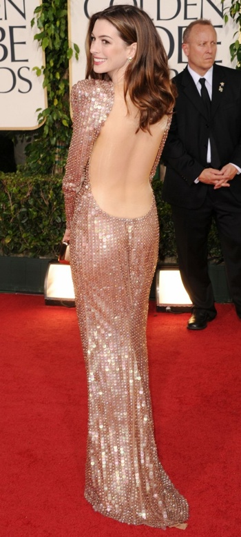 Anne Hathaway Golden Globes Red Carpet 2011